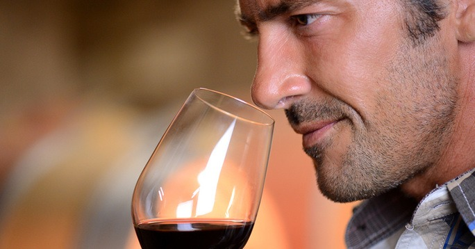 The Gentleman's Cheat Sheet for Wine Tastings