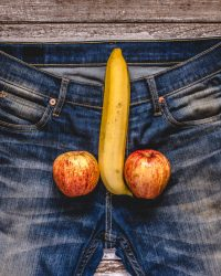 banana and apples as male genitalia